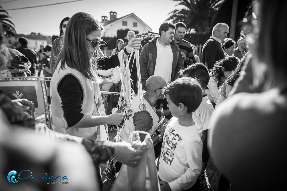 carreras infantiles de los 10 k cabo vidío en Oviñana, organizado por turismo Oviñana, en el año 2019