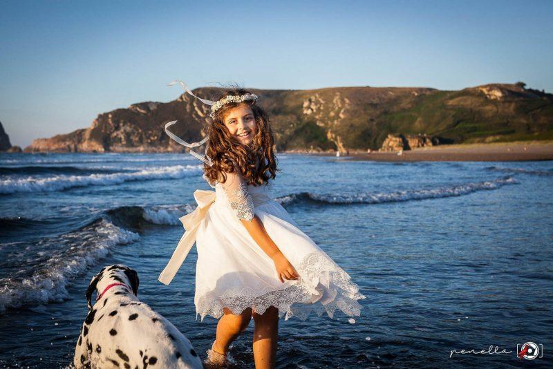 Penella fotografía, fotógrafo de Comuniones en exteriores en la playa, zonas de Avilés, Gijón y Oviedo