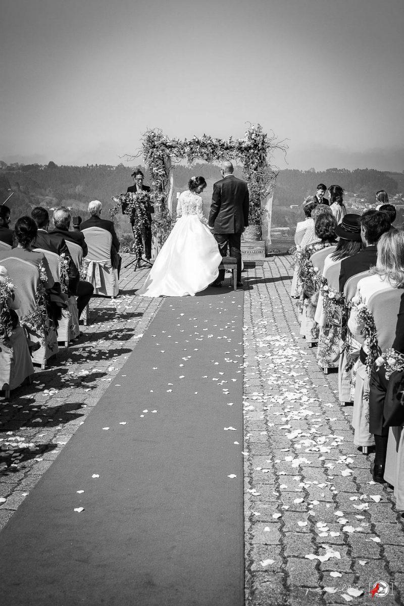 Fotografía en blanco y negro del fotógrafo de bodas en Soto del Barco, Avilés, Oviedo y Gijón Penella Fotografía