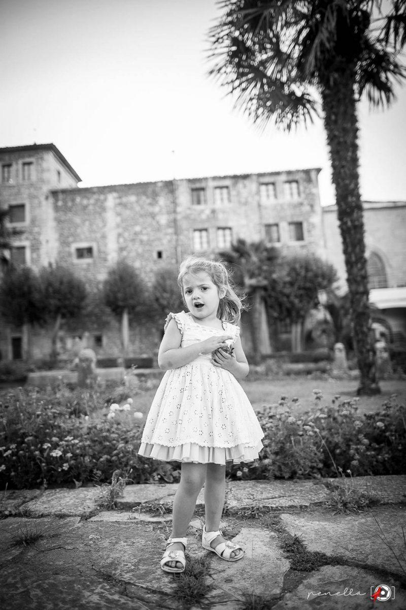 Foto en blanco y negro infantil y de niños en Asturias, Gijón, Avilés y Oviedo Penella Fotografía