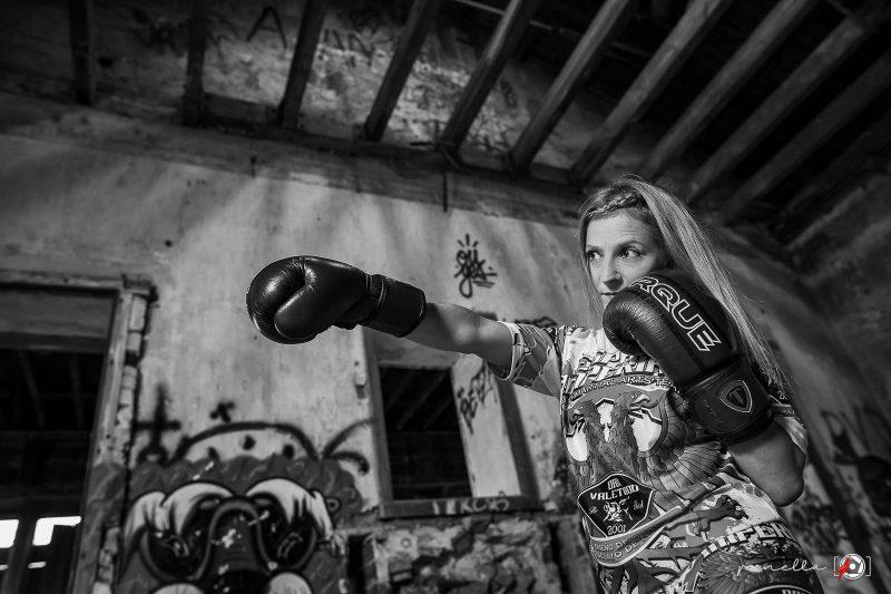 Foto en blanco y negro de sesión fotográfica para book personal y reportaje profesional en Asturias, Avilés, Gijón y Oviedo, Penella Fotografía
