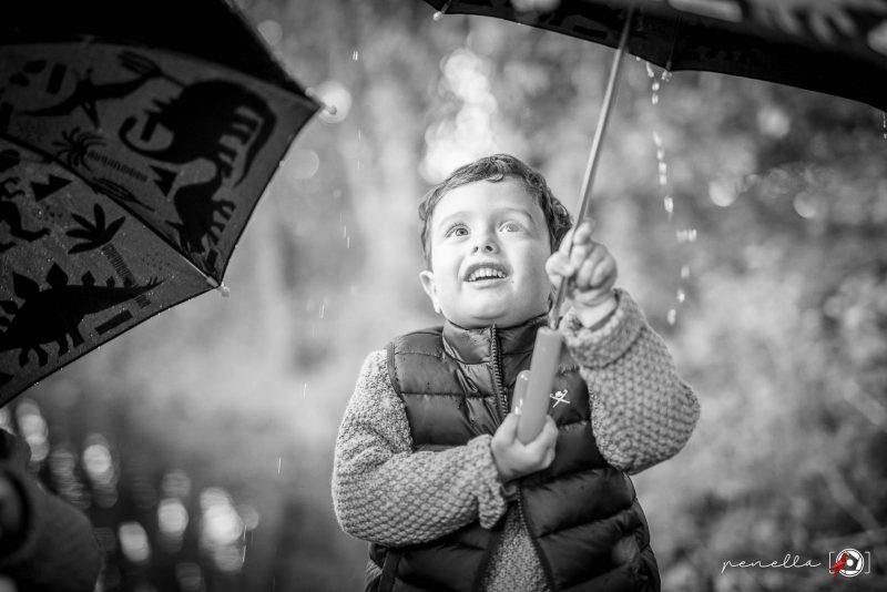 Galeria de fotografía infantil y de niños en otoño en Asturias, Avilés, Gijón y Oviedo del fotógrafo Penella Fotografía