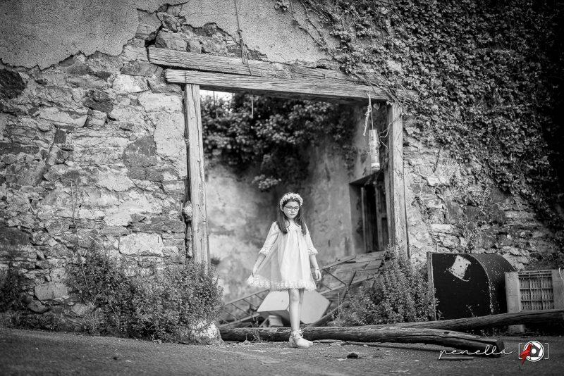 Penella, fotógrafo de niñas, niños e infantil en Asturias, fotografía en blanco y negro