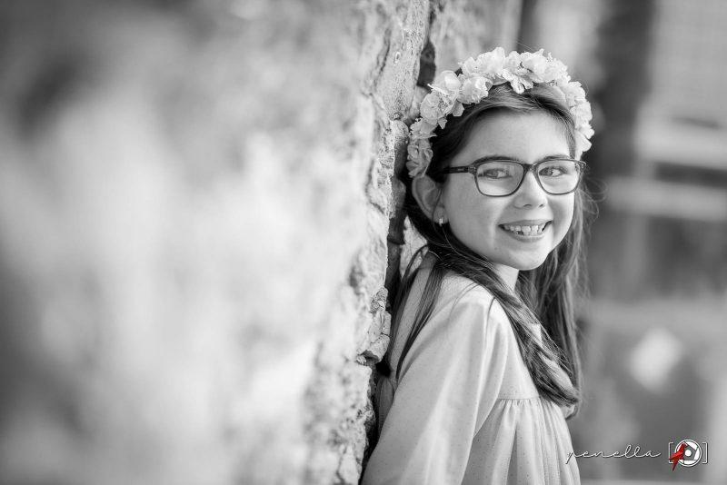 Fotógrafo infantil de niños y niñas a domicilio en Asturias Penella, fotografia en blanco y negro