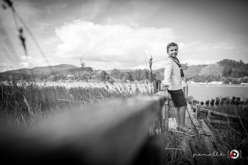 Penella Fotografía fotógrafo de Comunión en blanco y negro en Soto del Barco y San Juan de la Arena