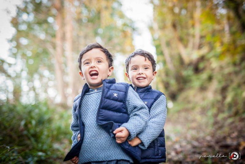 Reportaje de niños e infantil en Asturias en sesión fotográfica en otoño Penella Fotografía