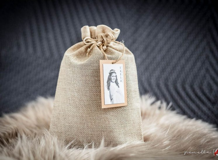bolsa de lino para recordatorio de comunión, bautizo o boda en Asturias