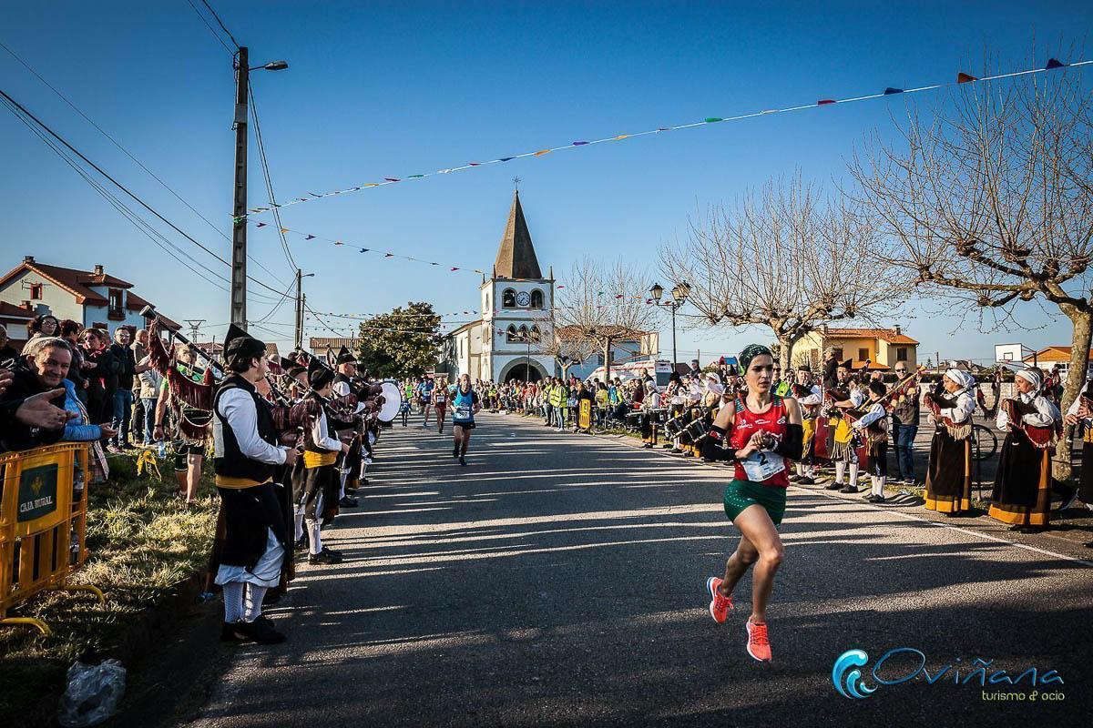 carrera 10 kilómetros del Cabo Vidío en 2019 en Oviñana, fotografía de Penella Fotografia
