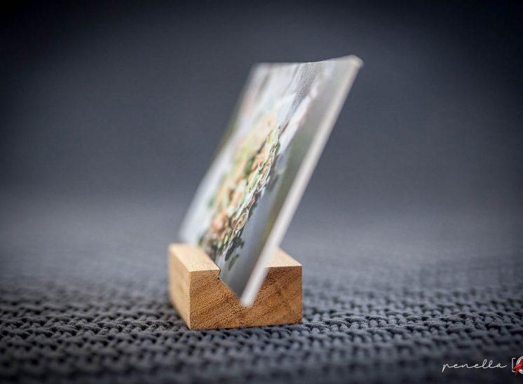 peana de madera para recordatorio de Penella Fotografía en Asturias